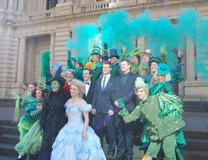 Ed Grey (Boq), Maggie Kirkpatrick (Madame Morrible), Lucy Durack (Glinda), Jemma Rix (Elphaba), Steve Danielsen (Fiyero), Glen Hogstrom (Dr. Dillamond) & Wicked Company